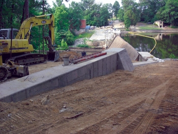 A concrete gravity section was built at Stony Creek Dam