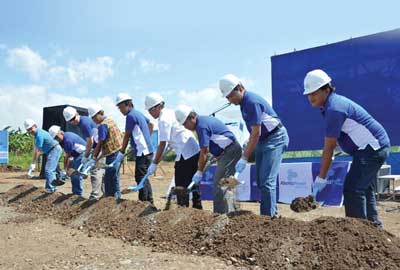 President and chief operating officer of Hedcor Tudaya Inc. Rene Ronquillo broke ground on the Tudaya 2 plant, along with Hedcor engineers.