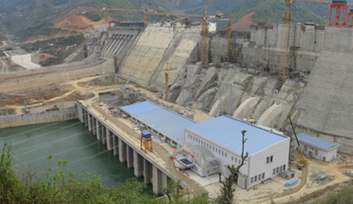 The 2,400 MW Son La project was inaugurated by the Vietnamese Prime Minister in December 2012.