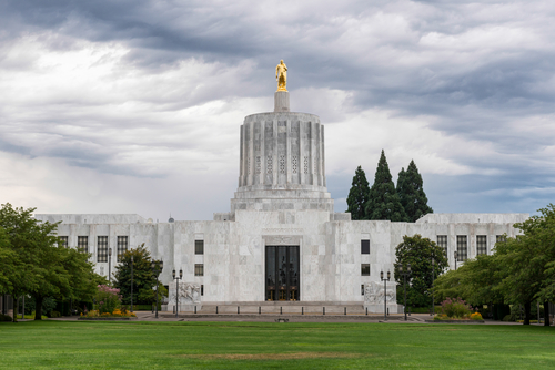 Oregon Governor Signs Bill into Law Phasing Out Coal-fired Power