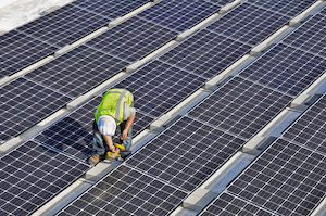 Illinois Energy Law Lures Northeast Commercial-Industrial Solar Developer