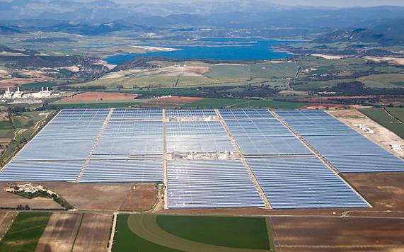The Solar PV Life Cycle Dilemma
