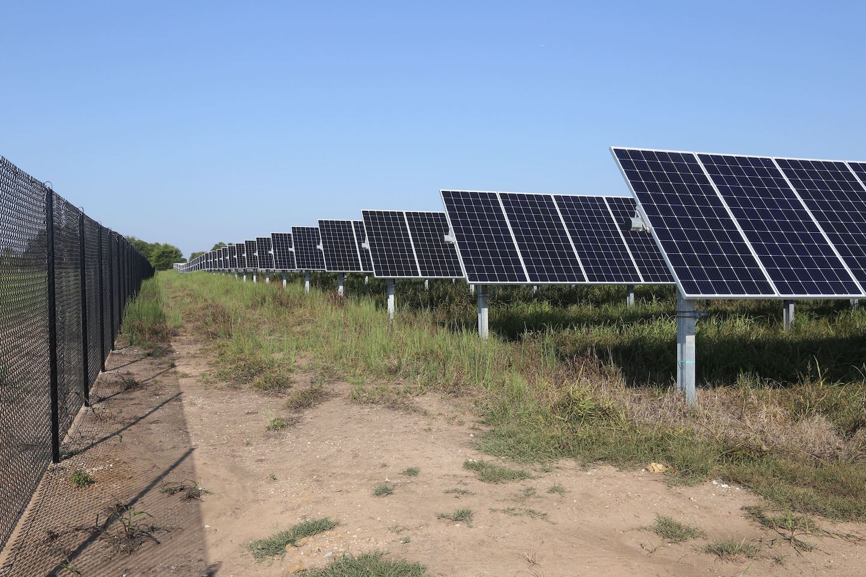 Lead image: City of Fayetteville solar array. Credit: City of Fayetteville