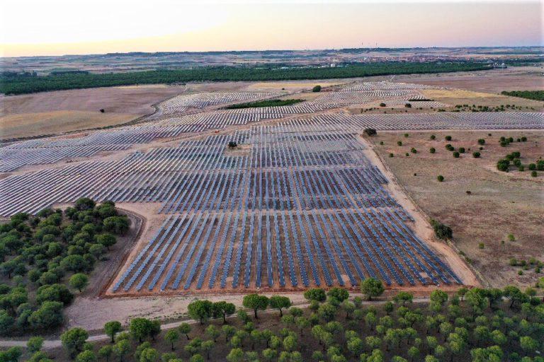 Spanish solar developer plans 3.3 gigawatts of subsidy-free PV farms