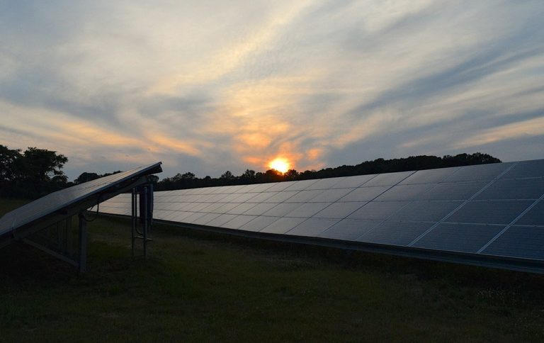 SunPower spins off manufacturing business