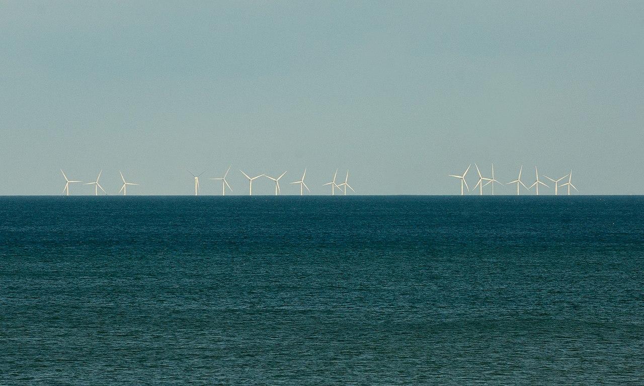 Hornsea_wind_farm_from_Barmston_beach