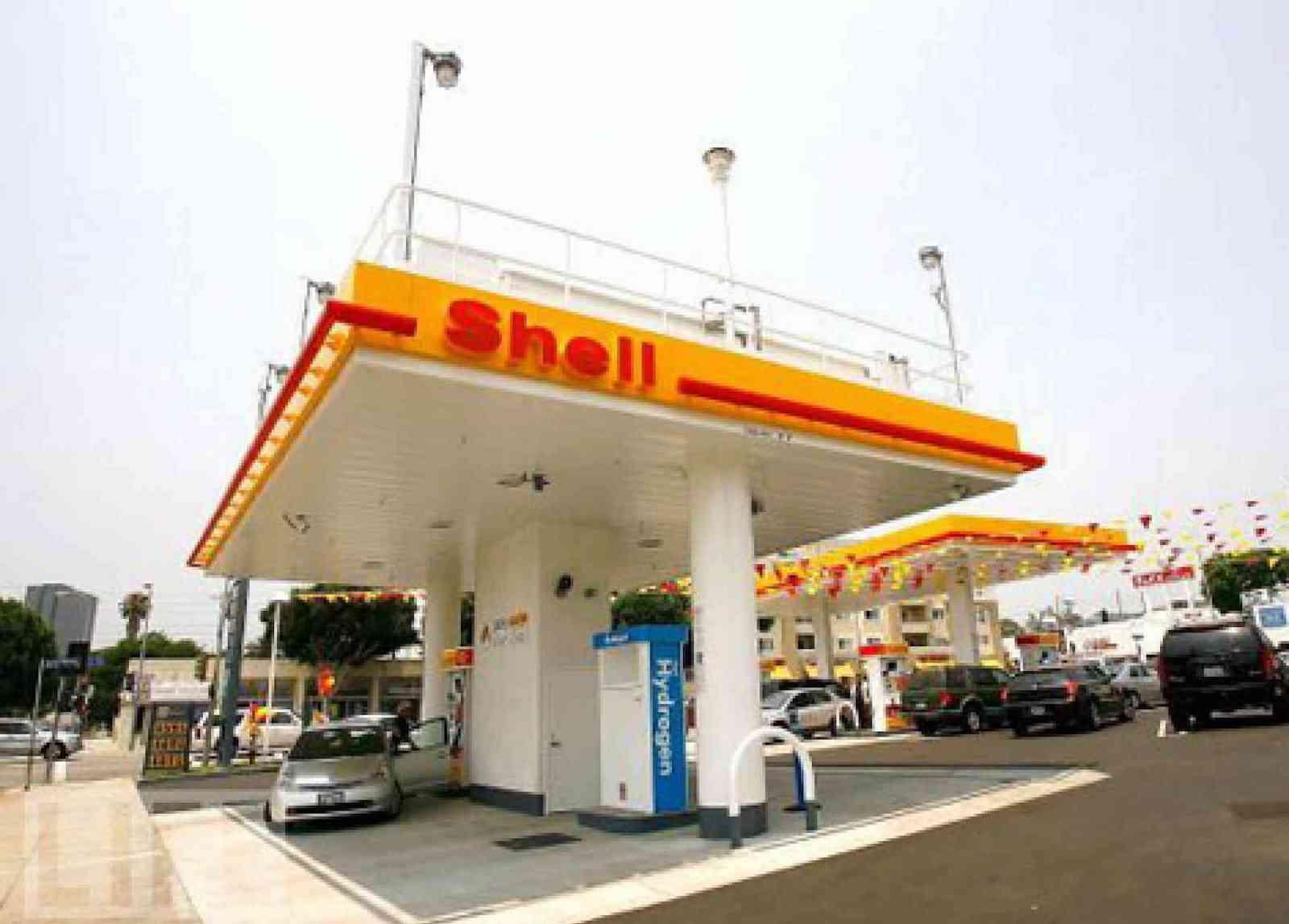 Shell hydrogen filling station located at 11570 Santa Monica Blvd., Los Angeles, California.