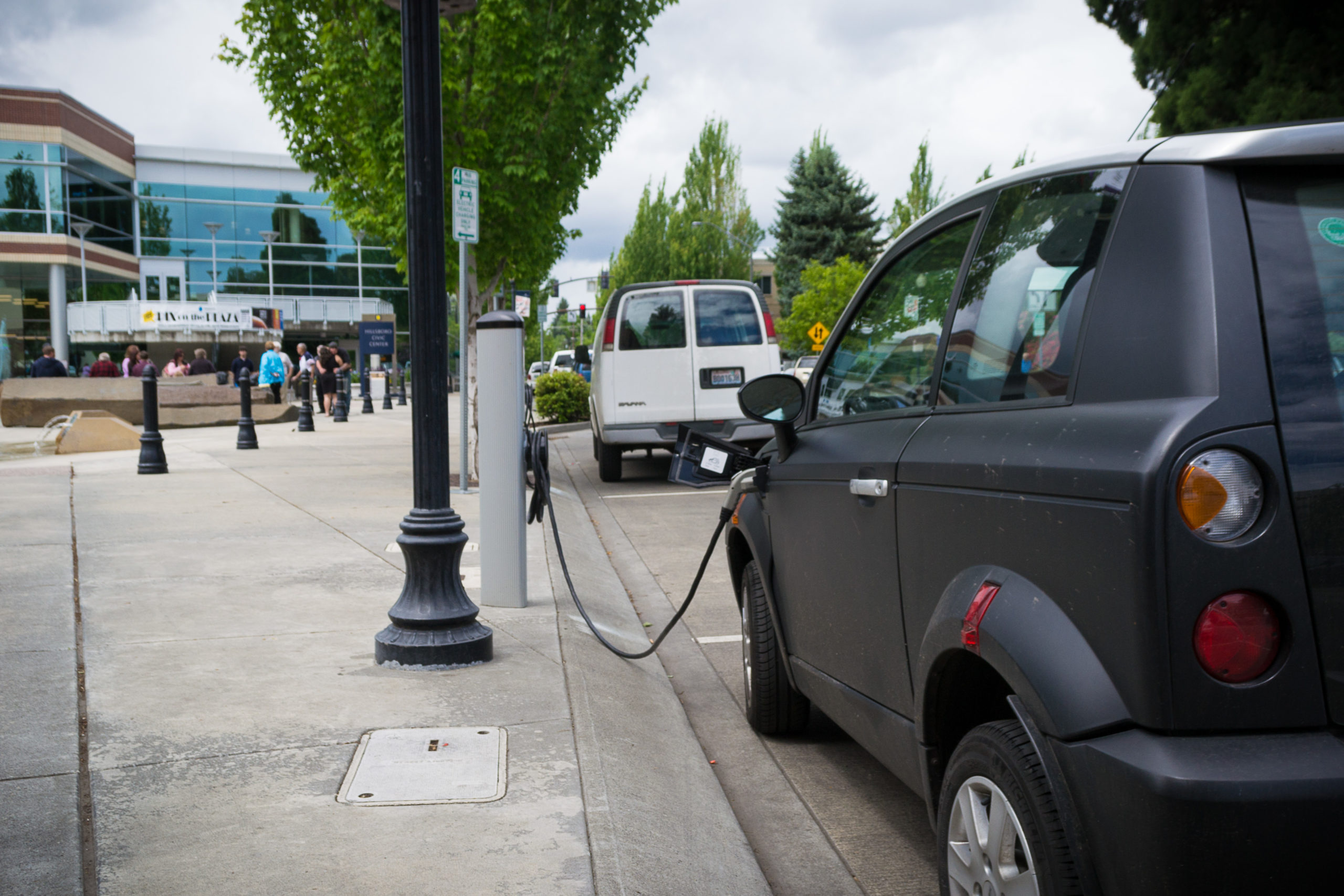 Europe and North America to connect 7.9 million EV chargers by 2025